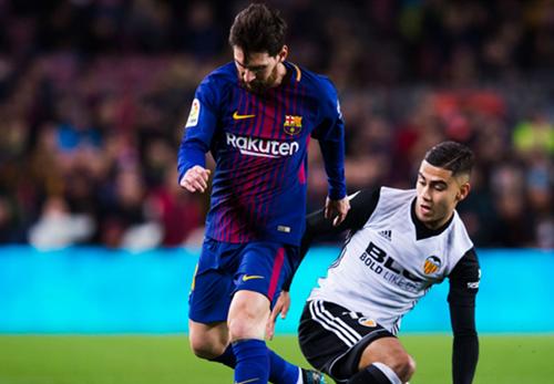 Harvey sier Lionel Messi er den beste spilleren i historien